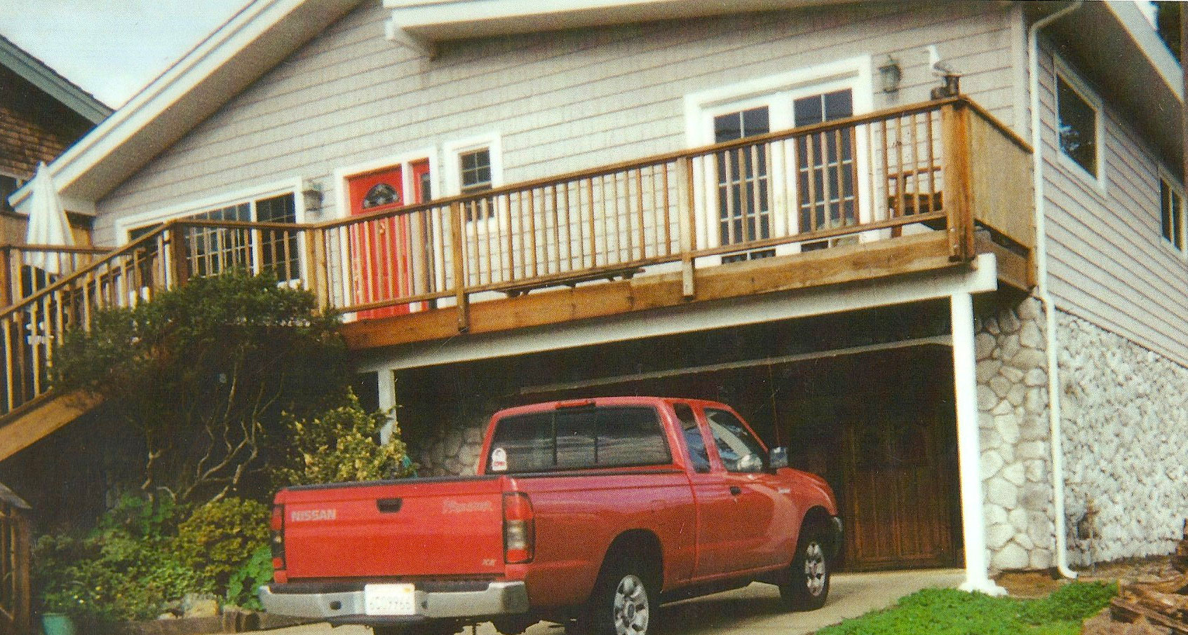 home-rennovated-with-new-siding-and-windows-by-Airtight